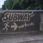 green graffiti muurtje rotterdam voor subway