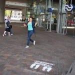 krijt graffiti bij treinstation