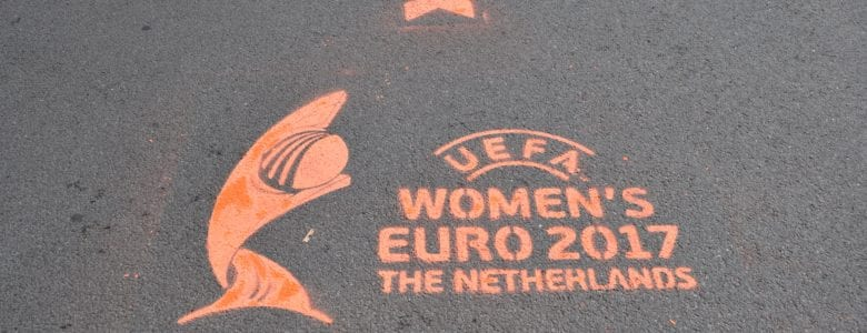 EK voetbal voor vrouwen tijdelijke krijt graffiti